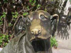 La statua di Pippo a Torre del lago (LU)